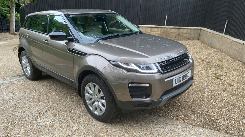 View LAND ROVER RANGE ROVER EVOQUE TD4 180 SE Tech
